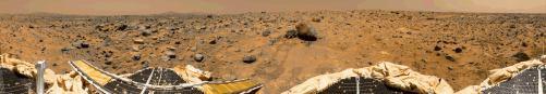 zmenšenina panoramatickej snímky miesta pristátia sondy Carl Sagan Memorial Station / Pathfinder