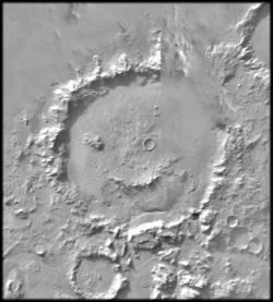 jeden z kráterov na Marse pripomínajúci usmiatu tvár
